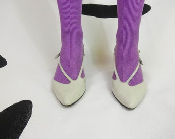 80s White Leather Side Strap Kitten Bow Heels / Size 8 / Spain / Asymmetrical / Avant Garde / Kitten Heels / Space Age / New Wave / Pastel