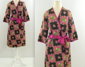 Vintage 1960s Quilted Wrap Robe - Medium Large by Morsam