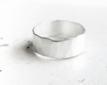 otique - rustic promise ring // promise rings // promise ring set // couple jewelry // couples rings // couples jewelry / anniversary rings