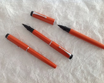 circa 1970 1 Parker Big Red Pen, new/old, Orange