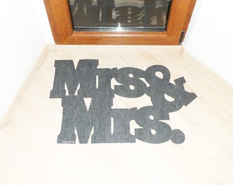 Mrs & Mrs. floor mat. Lesbian couple, marriage home decor. The best wedding gift. Unique and original home decor