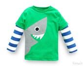 toddler boy shark shirt, organic cotton, kids organic cotton sweater, boys jumper shark, blau and white striped long sleeves,