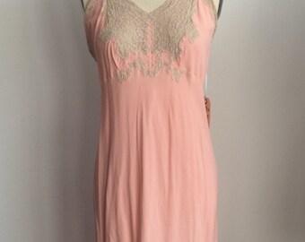 VTG 1930's Peach Slip w Lace Detailing