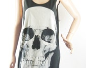 Skull Tshirt Alien Shirt Skull Tank Top halloween tshirt (Unisex - Tshirt) Women Tshirt Men Tshirt Tunic Screen Print Size M