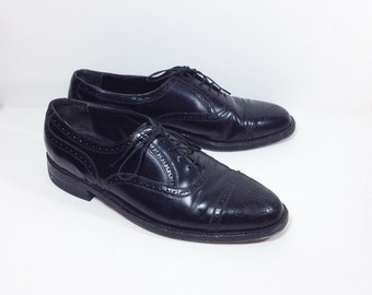 Vintage Size 8 Mens Black Leather Oxford Brogues / Lace Up Dress Shoes / Vintage Brogues / Vintage Oxfords / Ladies Size 9 Vintage Brogues
