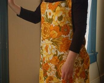Ladies Reversible Linen Apron.