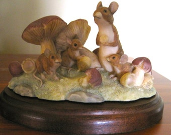 Border Fine Arts Field Mice Chiltern Collection RW5 1988, mouse sculptures