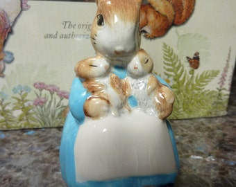 MRS RABBIT And BUNNIES 1989 Beatrix Potter Figurine Beswick England