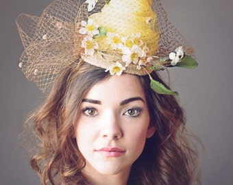 Beehive Yellow Fascinator Hat Headpiece, Kentucky Derby Hat, Steeplechase Hat, Famous Hat Luncheon Hat, Royal Ascot Hat, Tea Party Hat