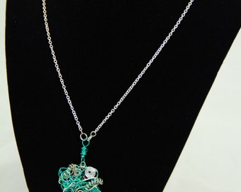 Aqua and Silver Toned Wire Worked Pendant on Silver Tone Chain (N0011)