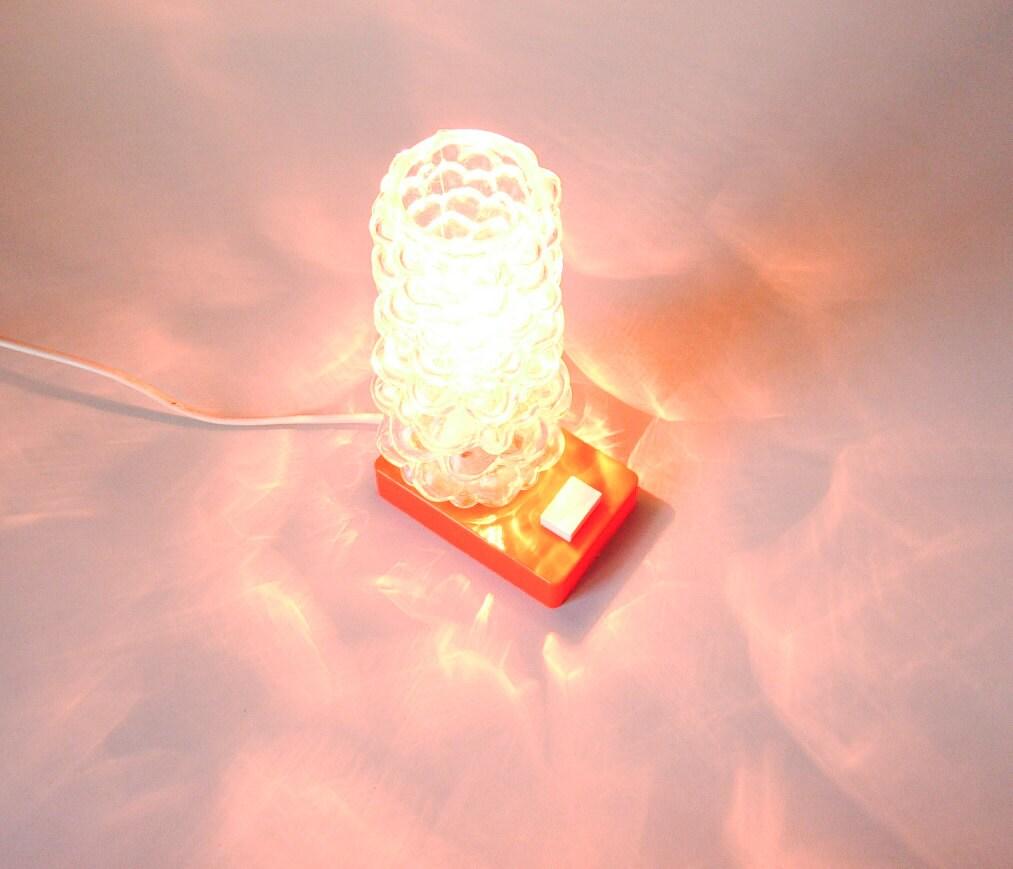 vintage lampe orange fluo pied plastique abat jour verre. Black Bedroom Furniture Sets. Home Design Ideas