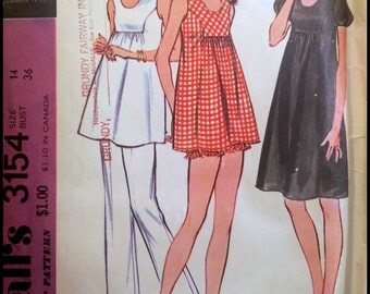 """McCall's 3154  Maternity Dress Or Tunic, Pants And Bloomers  Bust 36""""  UNCUT"""