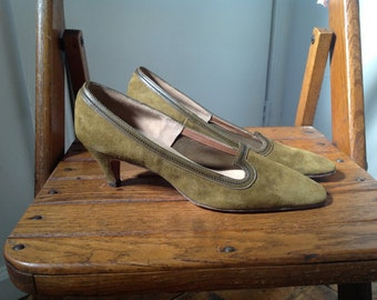 "9 aa - Olive Green Suede Pumps ""Mr. Raphael Custom Bootiere NY & Paris"""