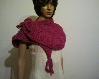 Knitted scarf / shawl pink