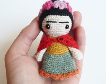 Frida Kahlo doll - handmade frida kahlo doll -  cute pocket amigurumi doll