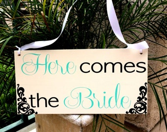 Here Comes the Bride Sign Double Sided Here Comes Your Bride Sign Here Comes Your Girl Sign Just Married Sign Established Date Photo Prop