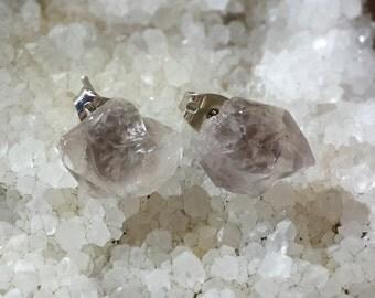 Smoky Amethyst Earrings / Raw Quartz Crystal / Raw smoky amethyst earrings / smoky purple Quartz studs / Smoky Quartz Earrings