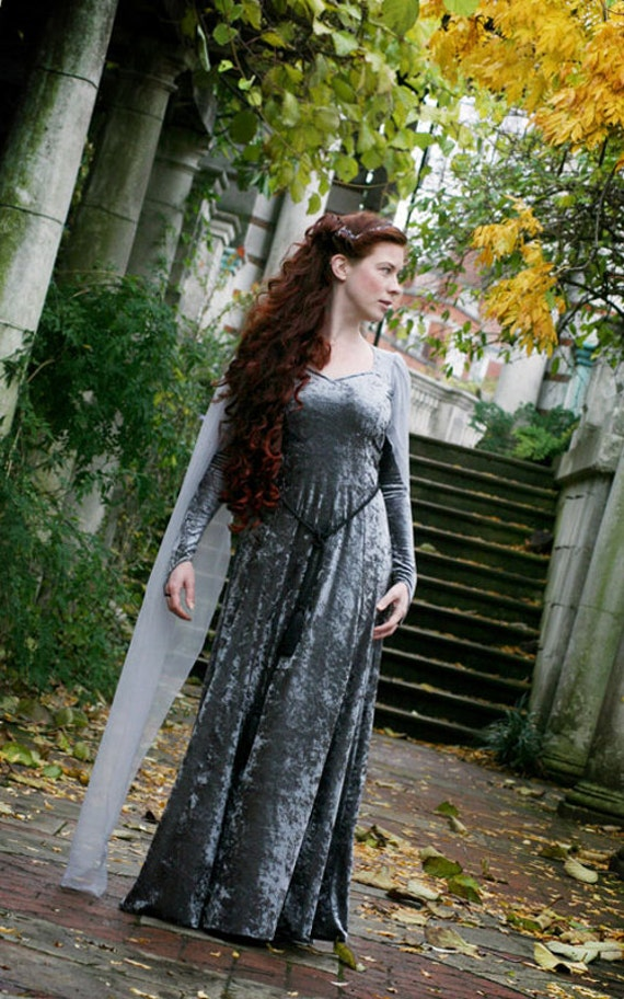 Super duper themed lord of the rings bridesmaid dresses for Elven inspired wedding dresses