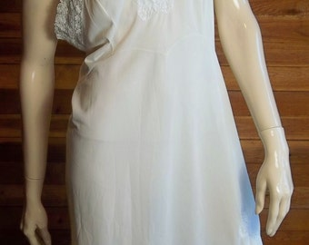 Vintage Lingerie 1950s ARISTOCRAFT Off White Sz 40 Full Slip by SUPERIOR