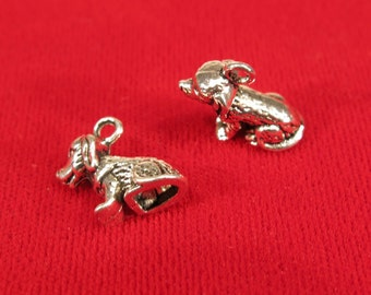 """10pc """"dog"""" charms in antique silver style (BC313)"""