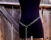 silvertone chain belt with tassel ~ mod 1960's 1970's tassel chain belt ~ vintage boho chain belt ~ flapper style belt