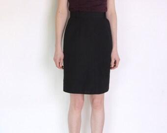 80's perfect pencil skirt, black secretary skirt, office skirt, high waisted skirt, pin up skirt, minimalist skirt size small