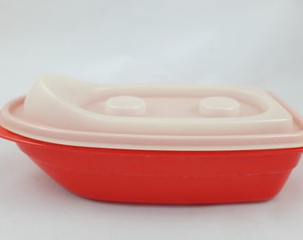 TupperCanoe, the red Tuppertoys boat by Tupperware - Vintage Tuppertoys by Tupperware - Vintage Tupperware - Retro Red Tupperware