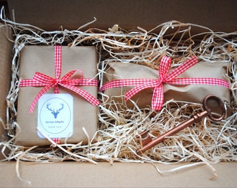 Free of Charge * Wrapping * Gift * Present * Christmas * Birthday * Rustic German