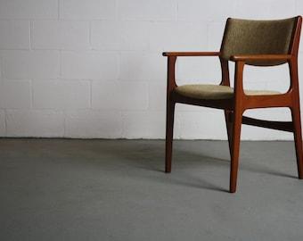 Teak Dining Chair / Captain's Chair Attributed Johannes Andersen Danish Modern 70s
