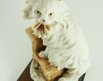 Giuseppe Armani Cat with Bow Figurine Florence Italy Capodimonte 1983