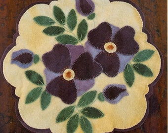 Primitive Wool Penny Rug e-Pattern Spring Violets Blossoms Buds Purple Green Yellow Scalloped Edge
