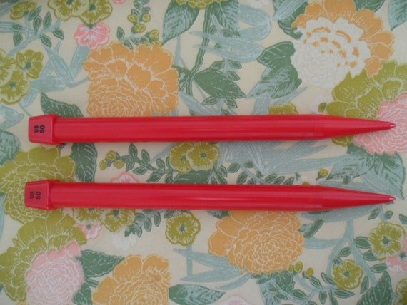 Large Size Knitting Needles 25 mm US 50 Cherry Red