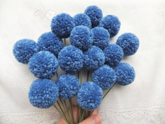 Periwinkle Yarn Pom Pom Flowers: Set of 18
