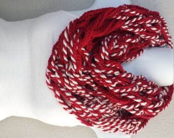 Abstract Red & White Wool Yarn Arm Knitted Infinity Scarf Womens Winter Fashion Kitted Scarves Girls Red Arm Knit Circle Scarf Knitted Cowl