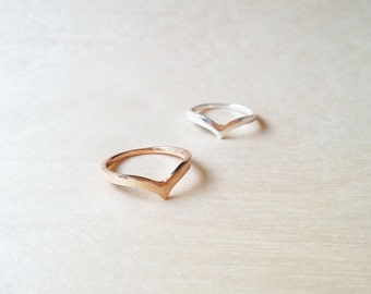 Chervon ring, gold plated, silver plated, dainty ring, free size
