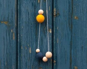 Minima 02 - Colorful Felt Necklace