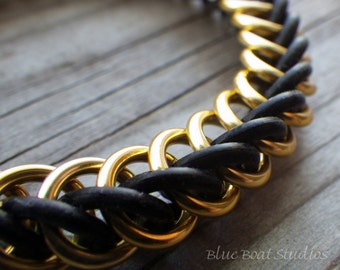 Gold and black rubber chain maille bracelet; stretchy chainmaille bracelet; chainmaille jewelry; rubber chainmaille bracelet; HP3-1 bracelet