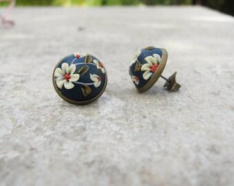 Flower stud Earrings, handmade earrings, polymer clay earrings, Navy blue earrings, Ivory flowers, brass earrings