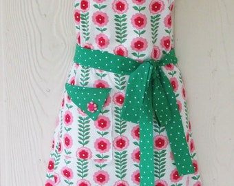 Floral Apron, Retro Inspired, Pink Floral, Polka Dots, Women's Full Apron, Vintage Style, KitschNStyle