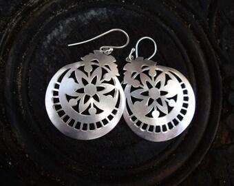 925 Sterling Silver Matte Star Flower Earrings