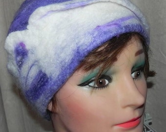 wet felted hat 100% merinos fibres, spring fashion, lilac, mauve and white nicely blended.  Felted hat, felt hat lilac, mauve and white