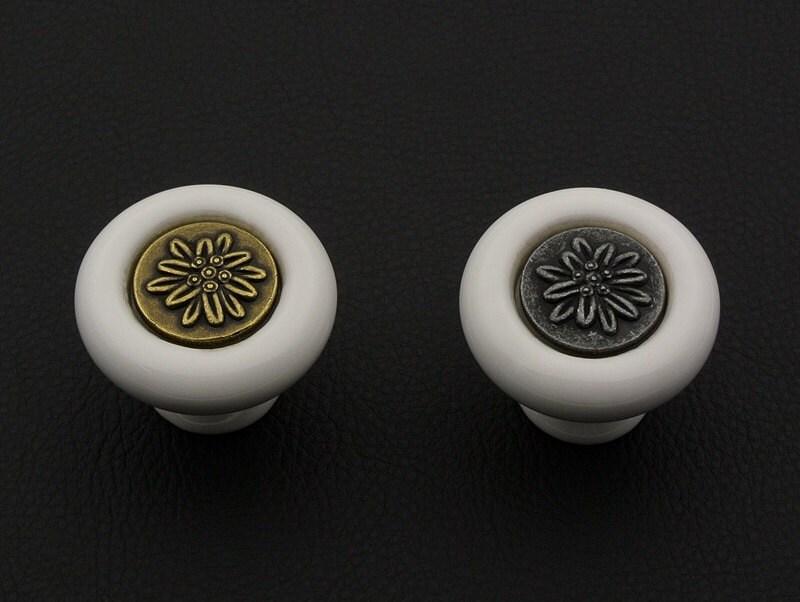 commode boutons boutons poign es poign es bouton en c ramique cuisine r tro armoire bouton. Black Bedroom Furniture Sets. Home Design Ideas