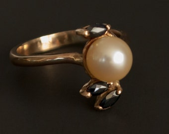 Elegant 14K yellow stone ring set with 7mm pearl and 3 marquise-cut sapphires Size 6.5