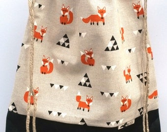 Backpack Fox and triangle