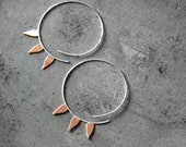 Solar Rays, Petals Hoops, Raw Copper and Sterling Silver - handmade open hoop earrings, 80s, geometric, gipsy, made in Italy