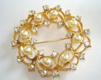 Pearl Leaf Brooch Clear Rhinestone Gold Tone