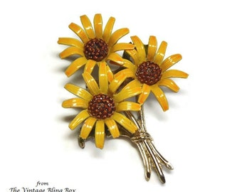 Yellow Enameled Daisy Flower Brooch with Gold Ribbon Tied Bouquet in Figural Design - Vintage 50's Costume Jewelry