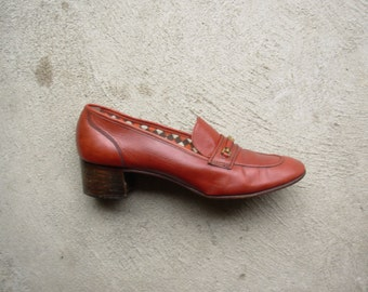Vintage 70's cognac brown leather loafers, cinnamon brown, stacked wood heel, women's size 9 or 8.5