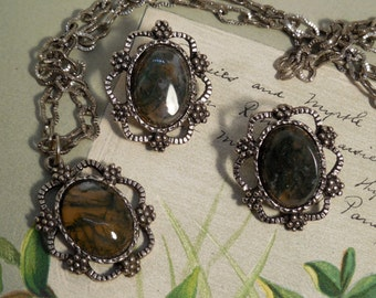 Vintage  Moss Agate Pendant & Clip On Earrings Set in Antiqued Silver    MM37