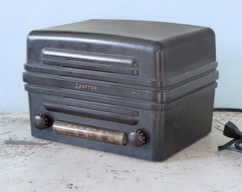 Art Deco 1938 Sparton Brown Bakelite AC Tube Radio